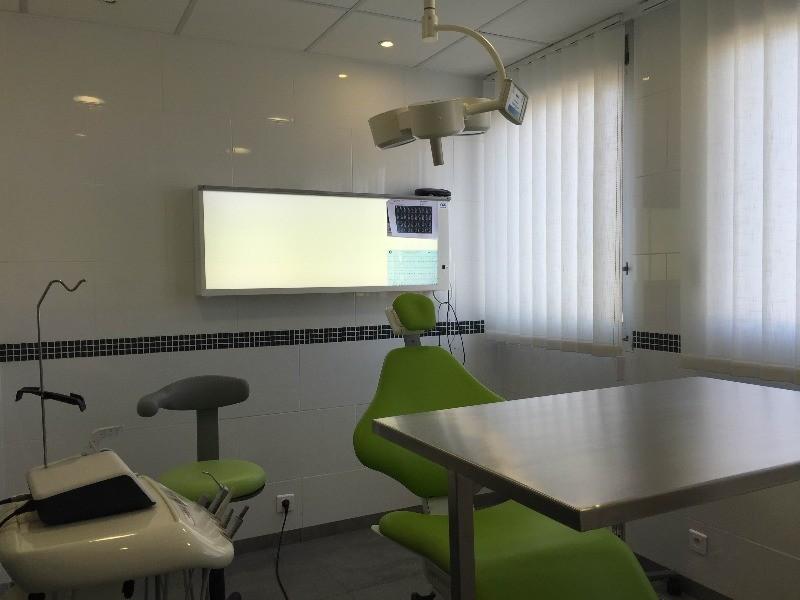 Dr Jonathan TOUROT, Chirurgien dentisteà Sainte Genevi u00e8ve des Bois # Medecin Sainte Genevieve Des Bois