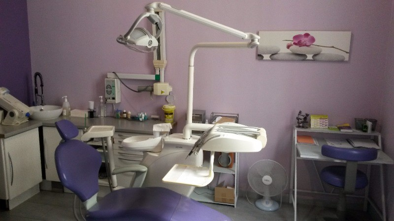 Dr alexia sarrabayrousse chirurgien dentiste talence - Cabinet dentaire talence ...