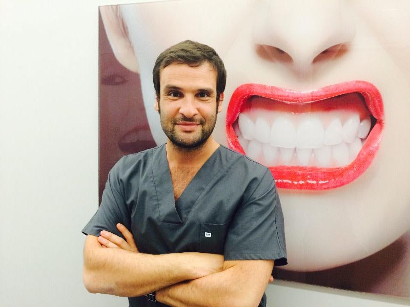 dr ari djebali chirurgien dentiste aulnay sous bois. Black Bedroom Furniture Sets. Home Design Ideas
