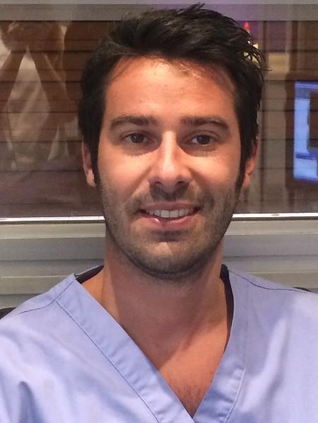 Dr Ludovic Ache, Chirurgien-dentiste à Paris