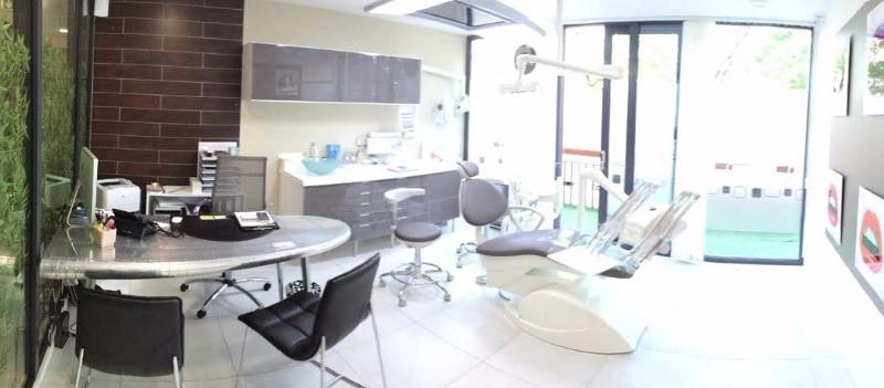dr jennifer zelmati chirurgien dentiste colombes. Black Bedroom Furniture Sets. Home Design Ideas