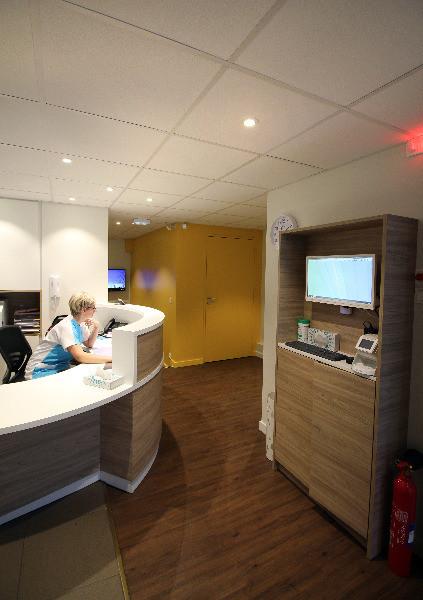 dr fran ois senage chirurgien dentiste nantes prenez rdv en ligne. Black Bedroom Furniture Sets. Home Design Ideas