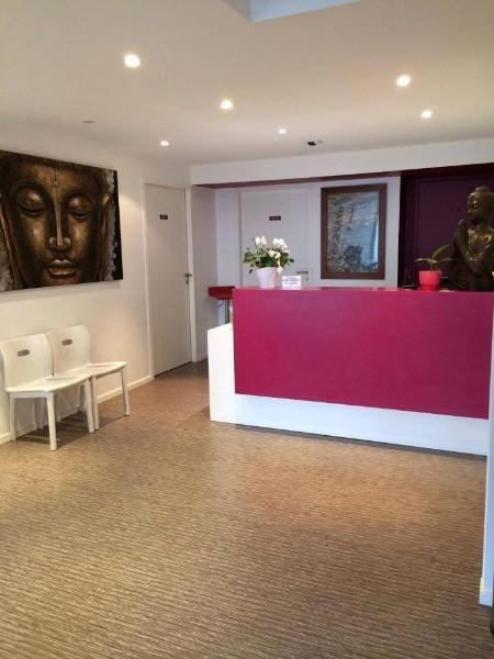 dr habib mouffokes dermatologue la rochelle prenez rdv en ligne. Black Bedroom Furniture Sets. Home Design Ideas