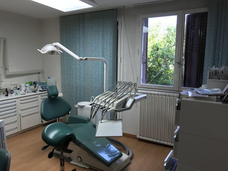 dr pascale piette roulleau chirurgien dentiste m riel bois colombes. Black Bedroom Furniture Sets. Home Design Ideas