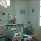 Dr Diby, Chirurgien-dentiste à Castres-Gironde