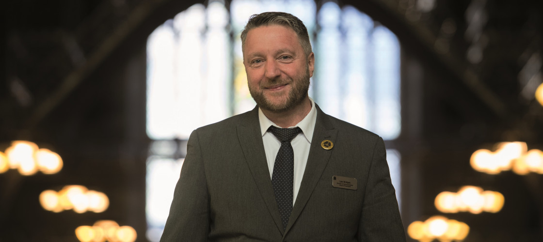 Lee Bridges is Director of Communications for the House of Commons