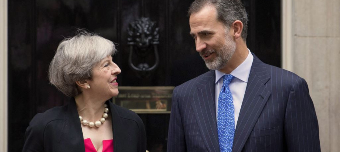 Theresa May welcomes King Felipe VI of Spain to 10 Downing Street