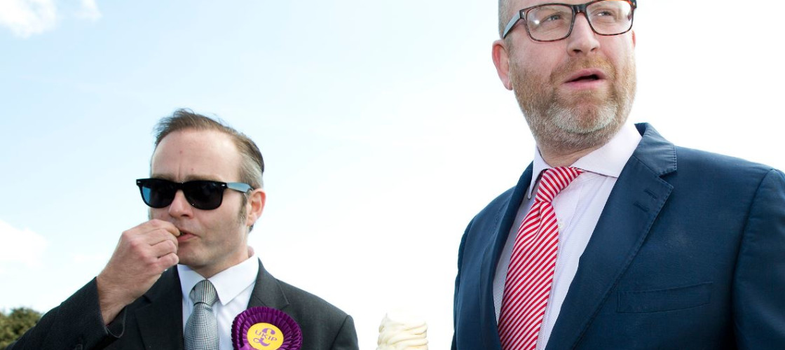 Ukip leader Paul Nuttall shares an ice cream with Clacton candidate Paul Oakley
