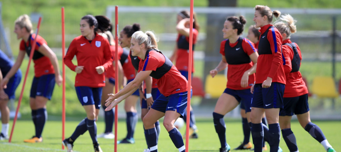 England's Steph Houghton (centre) during a training session