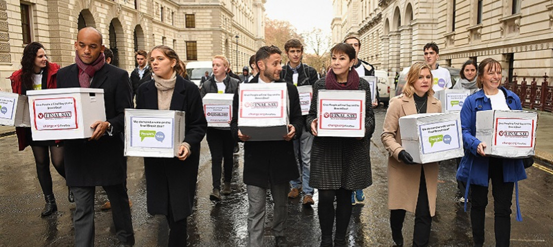Chuka Umunna (front left), Caroline Lucas (3rd right) and Justine Greening (2nd right) handing in Final Say and People's Vote petitions