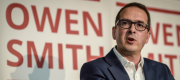 Owen Smith calls Corbyn a lunatic