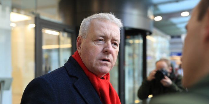 Ian Lavery tells Keir Starmer to quit Labour leadership race to make way  for a woman