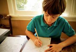 Yaratıcı Yazarlık Kursu, çocukların yazarlık alanındaki ilgisini, yeteneğini ve bilgisini keşfedebileceği, uzman eşliğinde yürütülen kurs çalışmasıdır. Yazarlık Kursu çocukların hayal kurma, yaratıcılığını tetikleme, yeni bir metin yaratma konularında yol gösterici bir Eğitimdir.  1 Aylık eğitimimiz sonunda çocuklarımızın yazarlığa olan ilgisini ve yeteneğini ortaya çıkartmak için uzman ekibimiz ve eğitmenlerimiz rehberlik edecektir.    Sestanbul, tam donanımlı stüdyoları ve tecrübeli eğitmen sanatçılarıyla birlikte Yaratıcı Yazarlık Ve Şiir Kursu süresince yanınızda olacaktır.