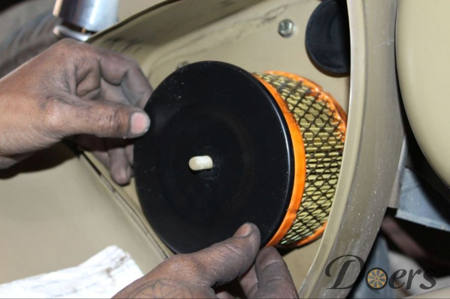 Step number 12 image for Air filter cleaning or Replacement