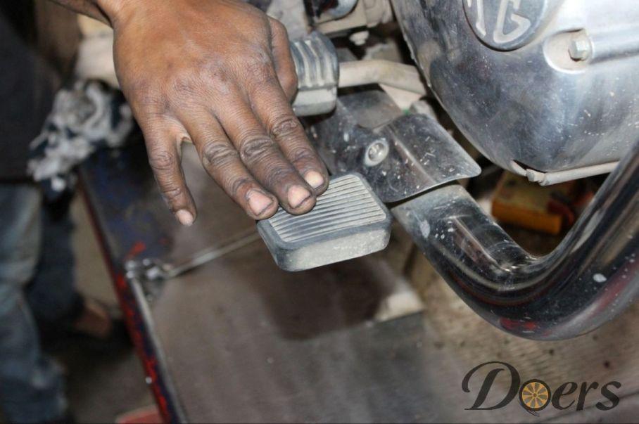 Step number 2 image for Drum Brake Adjustment