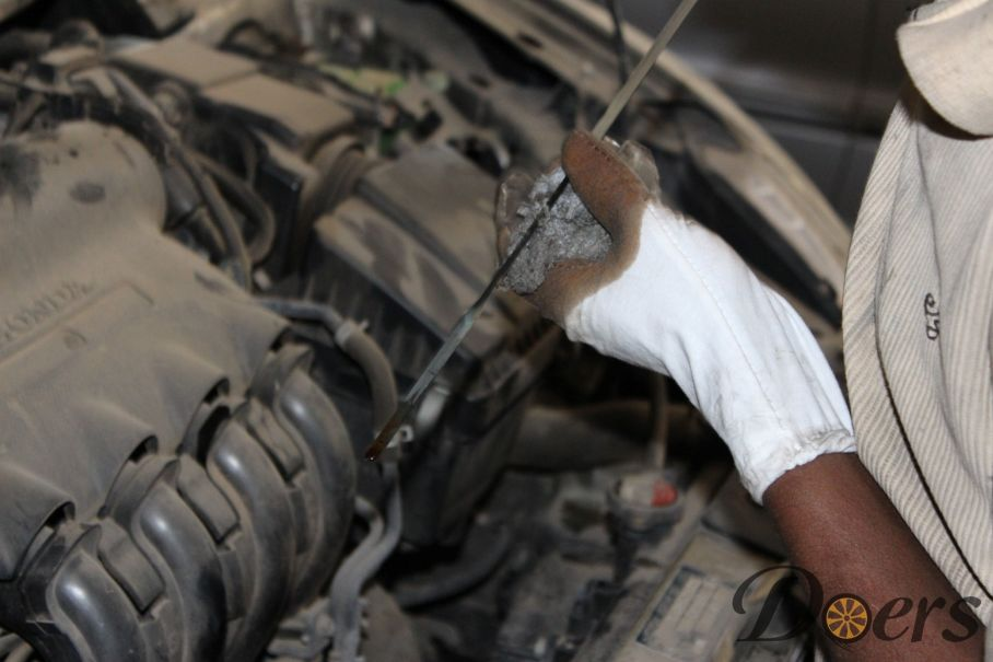 Step number 3 image for Engine Oil Change or Check Oil Level and Condition