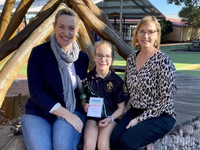 Mother Sarah Bolitho with daughter Kara and class teacher Mrs Alison Jesson.