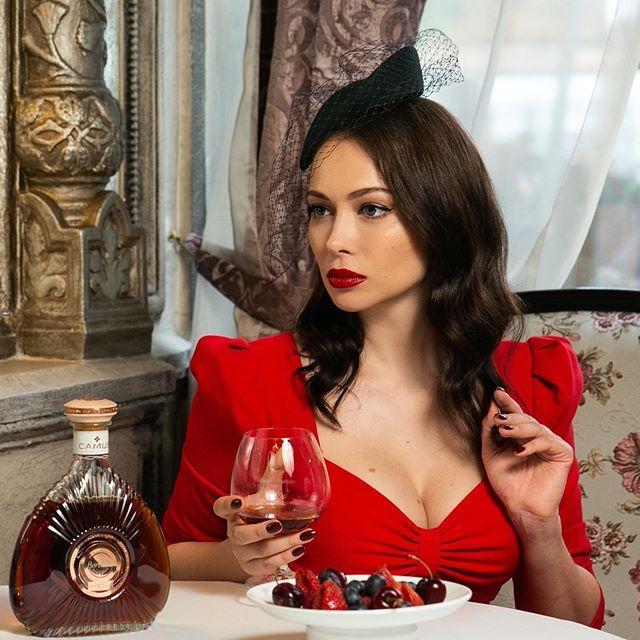 Настасья Самбурская рассказала о дорогих покупках и отношении к семье