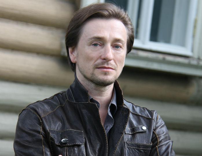 «Самоизоляция с пользой»: Безруков осваивает новую профессию