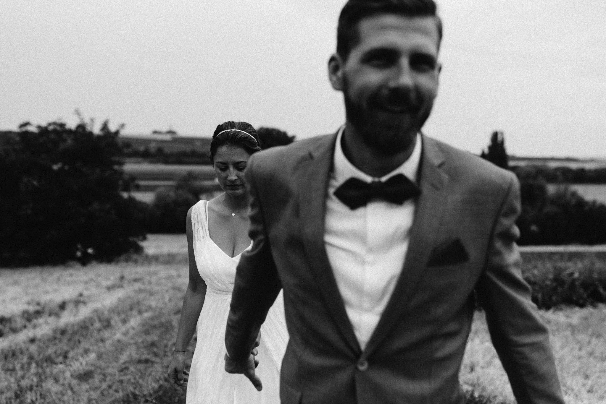 Moderne Hochzeit Paarshooting, Mattis Wiesenmühle