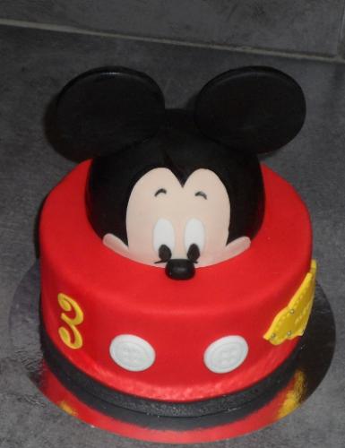 gâteau anniversaire paris licorne fortnite, un pâtissier cakedesigner Ehsrs2