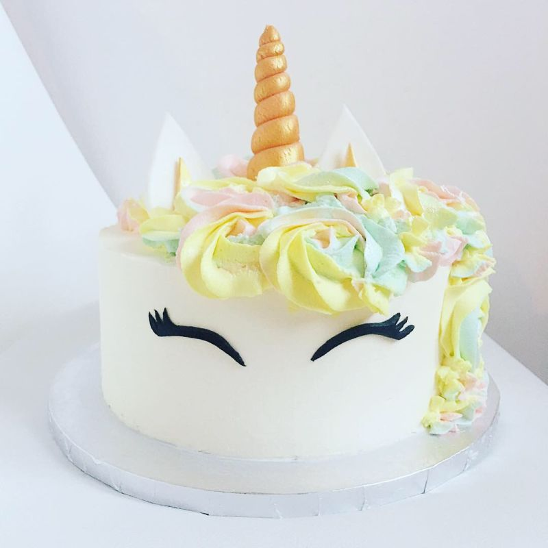 gâteau anniversaire paris licorne fortnite, un pâtissier cakedesigner Nb3125
