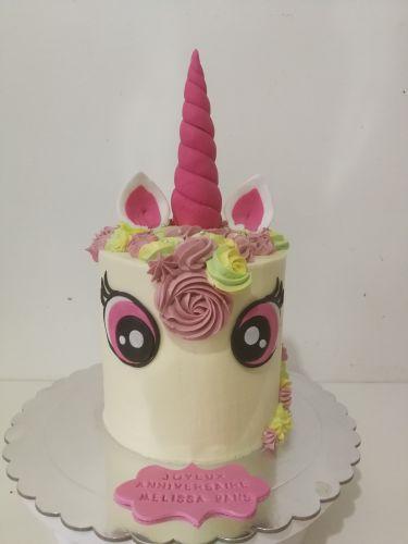 gâteau anniversaire paris licorne fortnite, un pâtissier cakedesigner Y2br1d