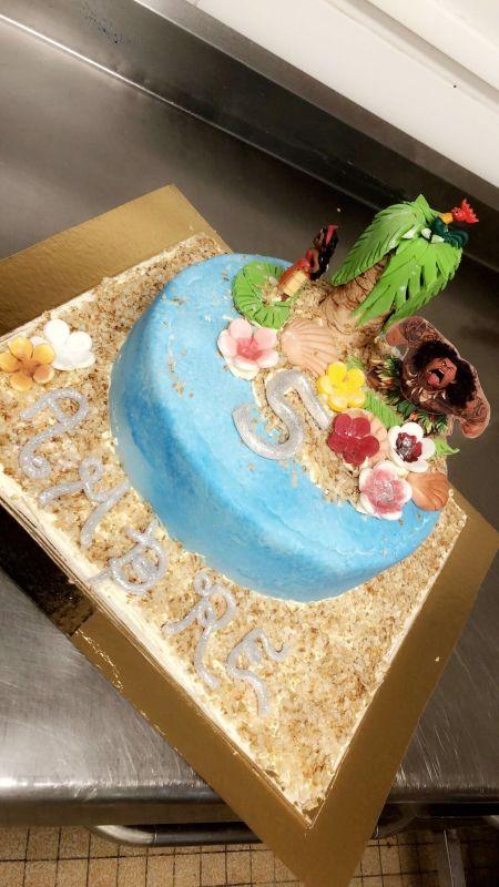 gâteau anniversaire paris licorne fortnite, un pâtissier cakedesigner Bjyldd