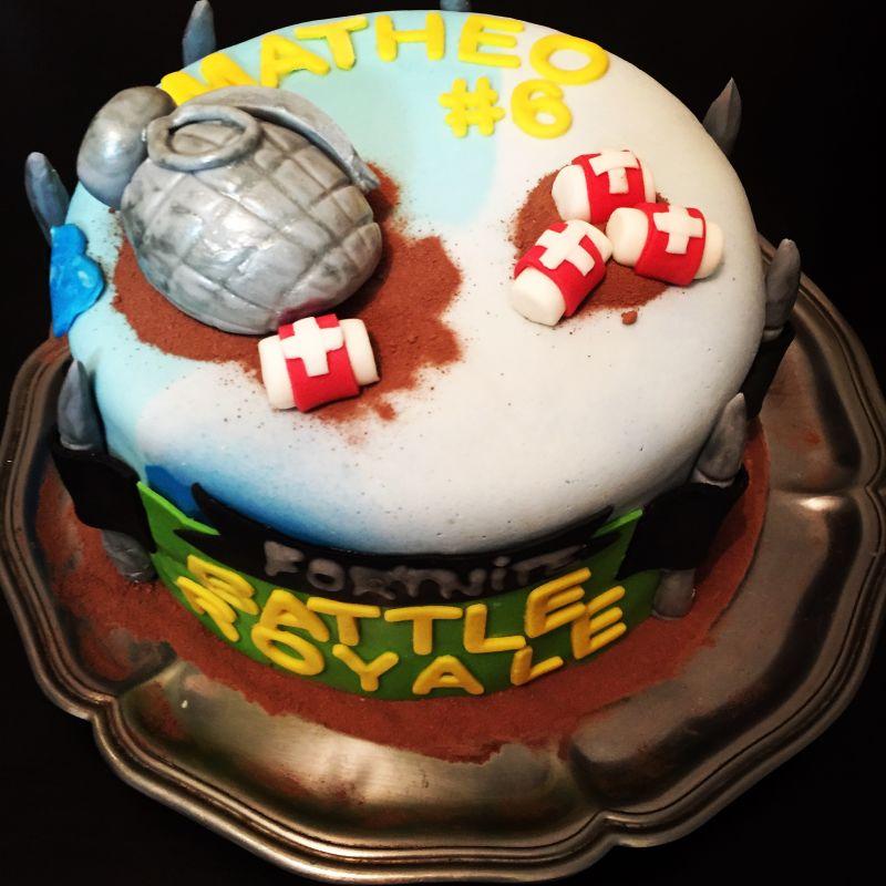 gâteau anniversaire paris licorne fortnite, un pâtissier cakedesigner Tgkyxe