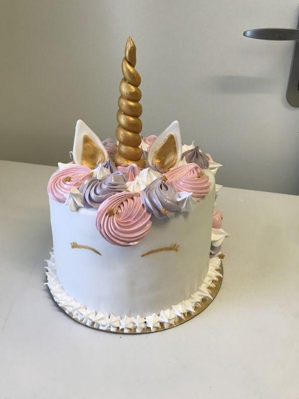 gâteau anniversaire paris licorne fortnite, un pâtissier cakedesigner Njl2ix