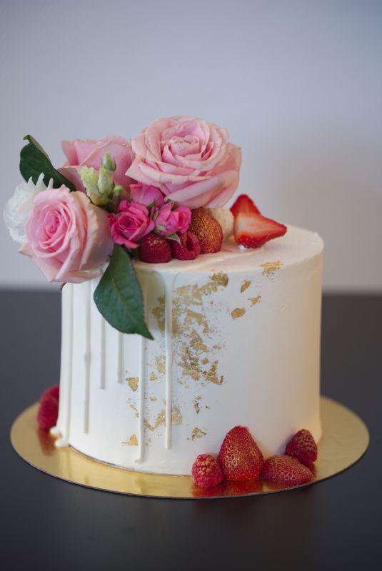 gâteau anniversaire paris licorne fortnite, un pâtissier cakedesigner Qb9fq5