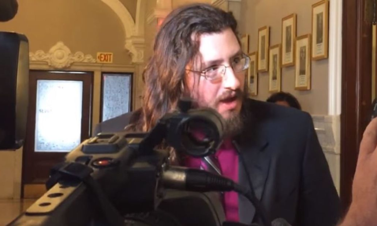 Judge orders 30-year-old man to move out of parents' home