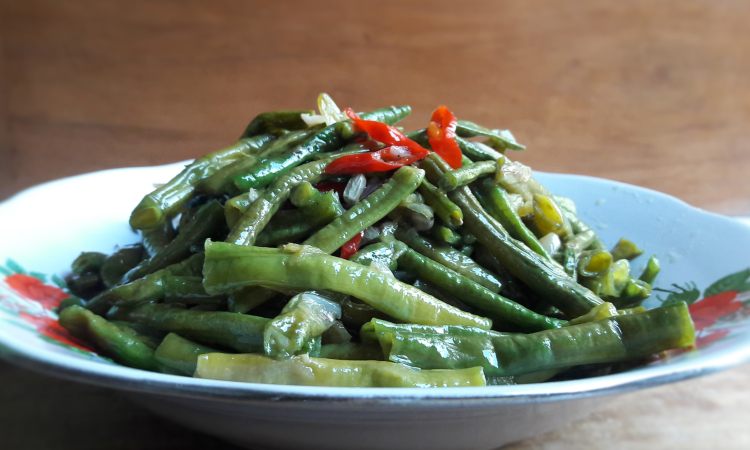 Long Bean Stir Fry (Tumis Kacang Panjang) a vegetarian food recipe
