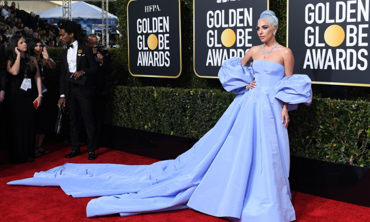 Stars sparkle on Golden Globes red carpet