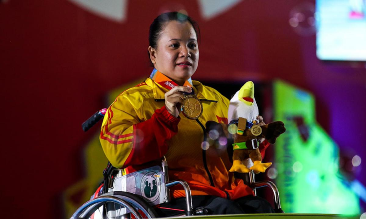 Vietnam's Dang tipped for gold in women's powerlifting 50 kg