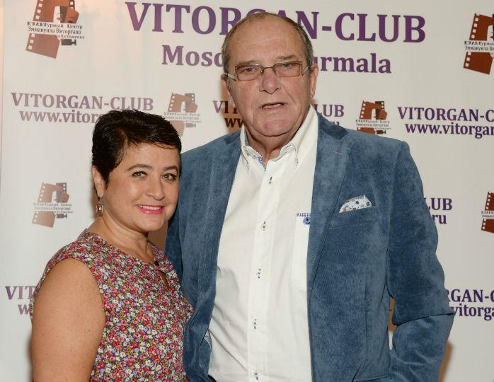 «Такая лапочка!»: Виторган запечатлел двухгодовалую дочь в пышном парчовом платье