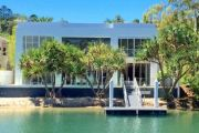 Cashed-up New Zealanders, leaf blowers: The truth about Noosa