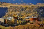 The Colorado town where America's wealthy go incognito