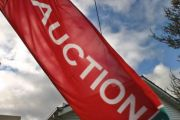 Should I auction my home on a weeknight in Canberra?