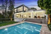 Sydney auction clearance rates continue to nosedive