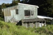 Landlocked holiday home for $150k has no access, so you can't view it