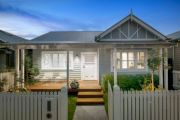 Elsternwick home from The Block 2017 struggles to sell at auction