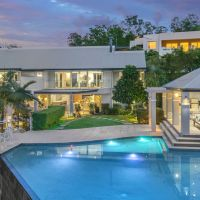 Luxury Bardon home sells at auction for $4m+