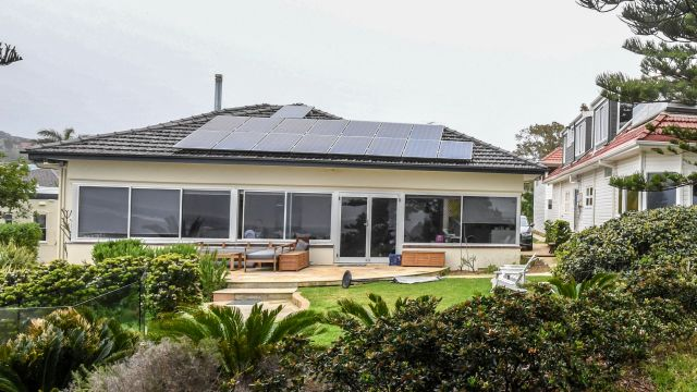 Oil and gas boss pays $15.5m for knock-down rebuild in Collaroy