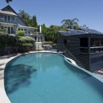 Why a bull run is expected until end of year for Sydney's trophy home market