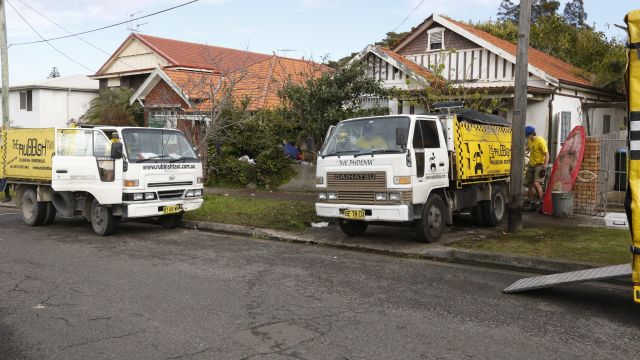 Notorious Bondi hoarder house up for grabs again - rubbish included