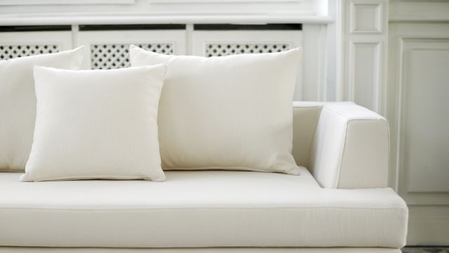 Going, going, not gone: My month-long struggle to give away a free couch