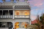 Melbourne auction clearance rate falls below 50 per cent for second week in a row