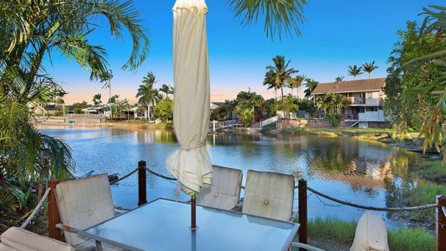 How to buy riverside at the Sunshine Coast for under $950,000