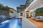 The architectural retreat in Drummoyne that seems to float on water